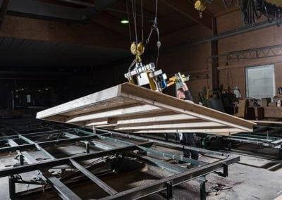 Holzrahmenbauelement im Kran