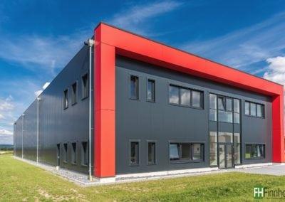 Produktionshalle mit Büro in Lage